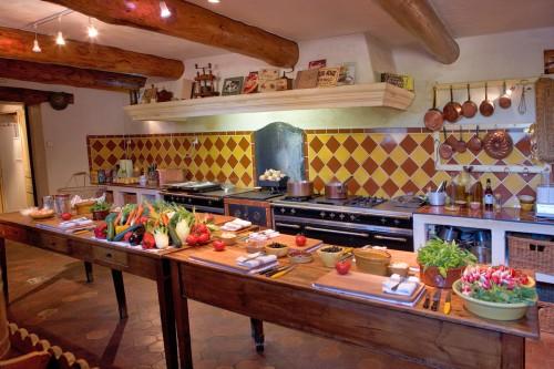 Keittokoulu Ranskan Provencessa on mukava tapa oppia ranskalaista keittiötaitoa