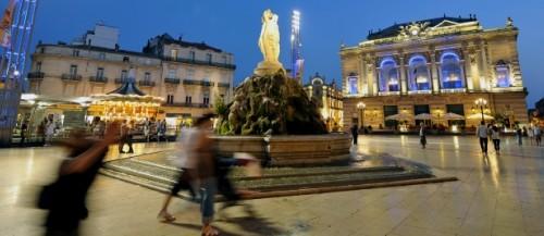 Montpellier ja Place de Comedie. Montpellier on mukava keskiklkoinen kaupunki.