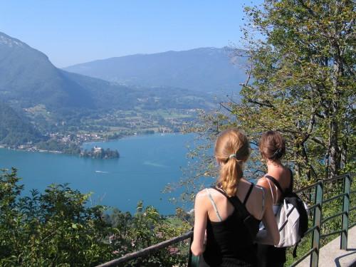 Annecy-järven maisemissa.