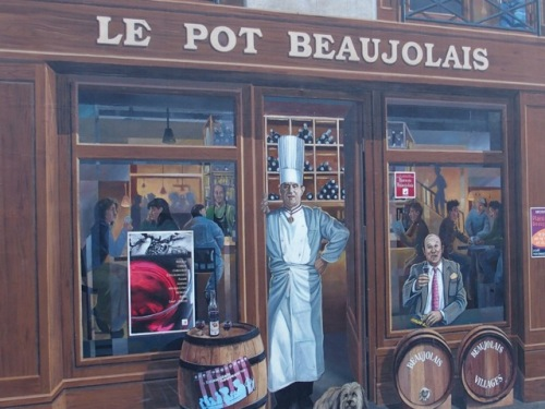 Paul Bocuse ja Lyon. Lyonista on lyhyt matka Beaujolais'n alueelle.