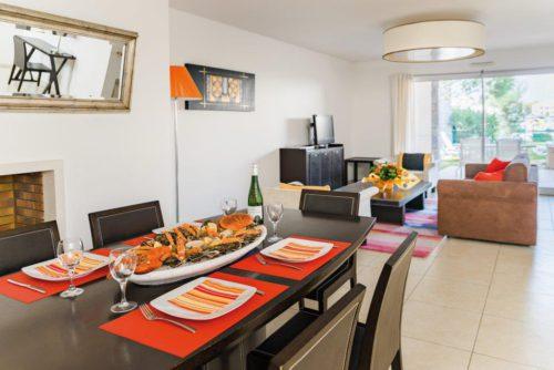 Välimeren herkkuja ruokapöytään asunnot Cap d'Agde.