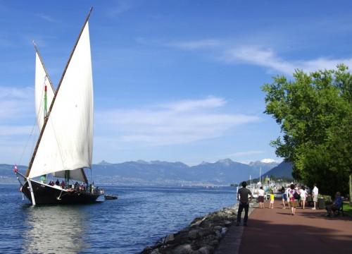 Geneven järven rannalla Ranskassa