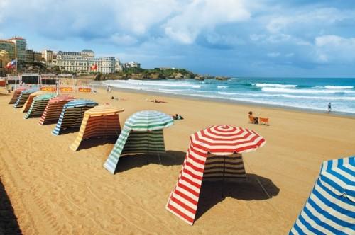 Biarritzin kaupungissa on surffirantaa ja auringonottorantaa.