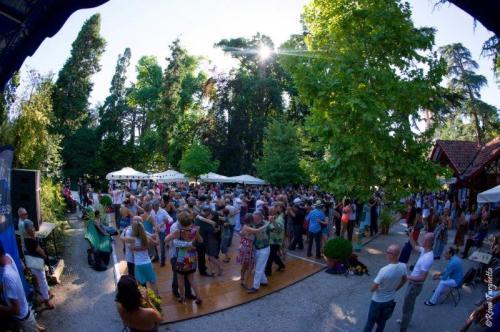 milonga au Jardin Massey, crédit photo Rémi Targhetta