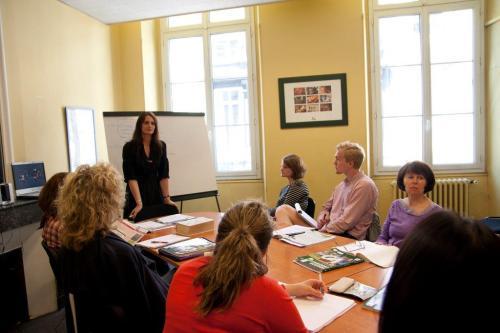 Kielikurssi Ranska Bordeaux oppilaat koululuokassa