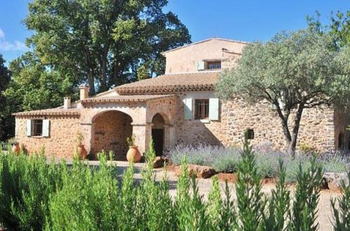 Upea kivitalo vuokrattavana Provencessa. Maalaistalo vuokrattavana Ranska