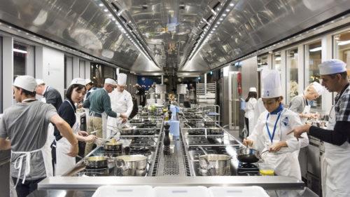 Cordon Bleu keittiössä, kuva Cédric Helsly